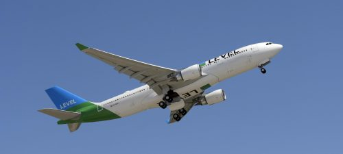 LEVEL Airbus A330-200 (01)